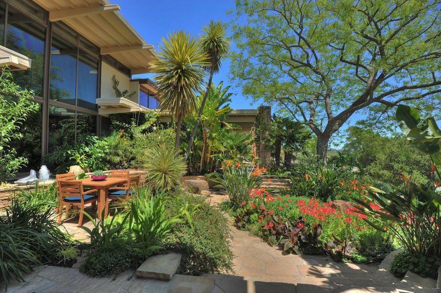 Spectacular Fenwick Estate in Los Altos Hills, California (47)