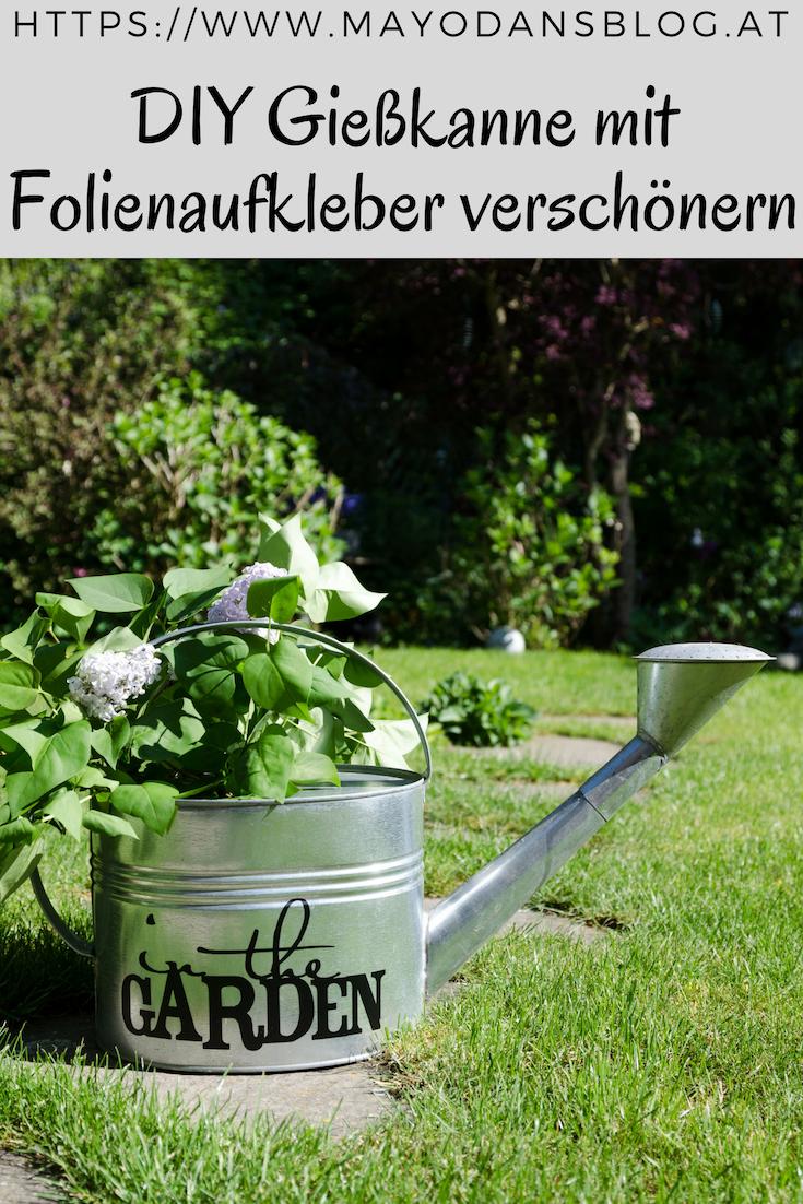 Diy Giesskanne Mit Folienaufkleber Verschonern Pflanzen Giesskanne Gartenwerkzeug