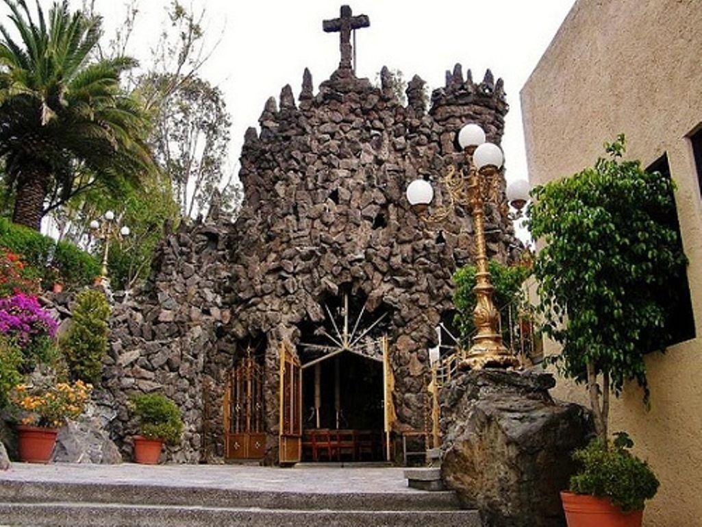 Gruta Capilla De Nuestra Señora De Lourdes Puebla Méx Talavera Poblana Capilla Nuestra Señora De Lourdes