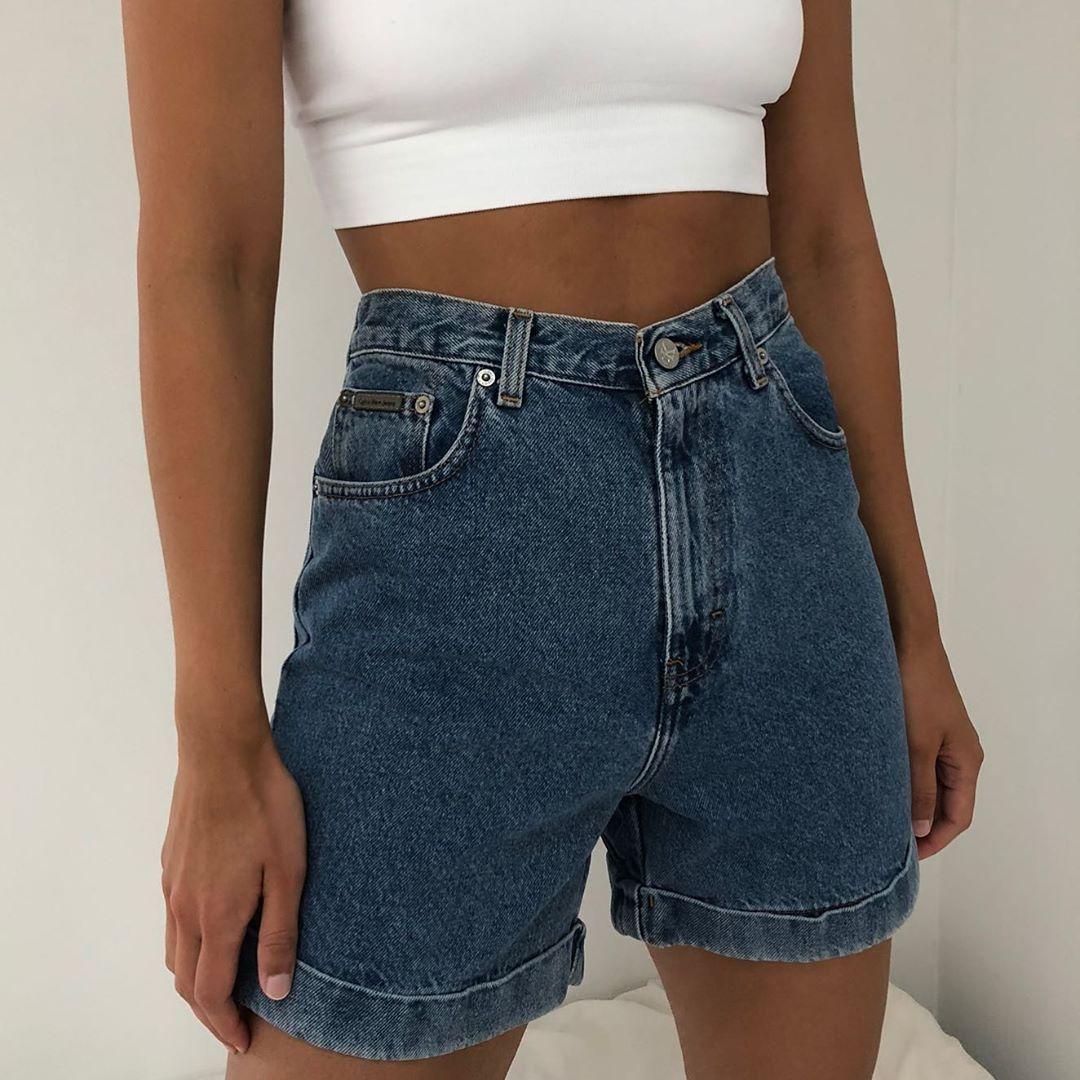 Photo of Na Nin Vintage på Instagram Nyligt listet vintage inklusive disse fantastiske Calvin Klein Denim Shorts