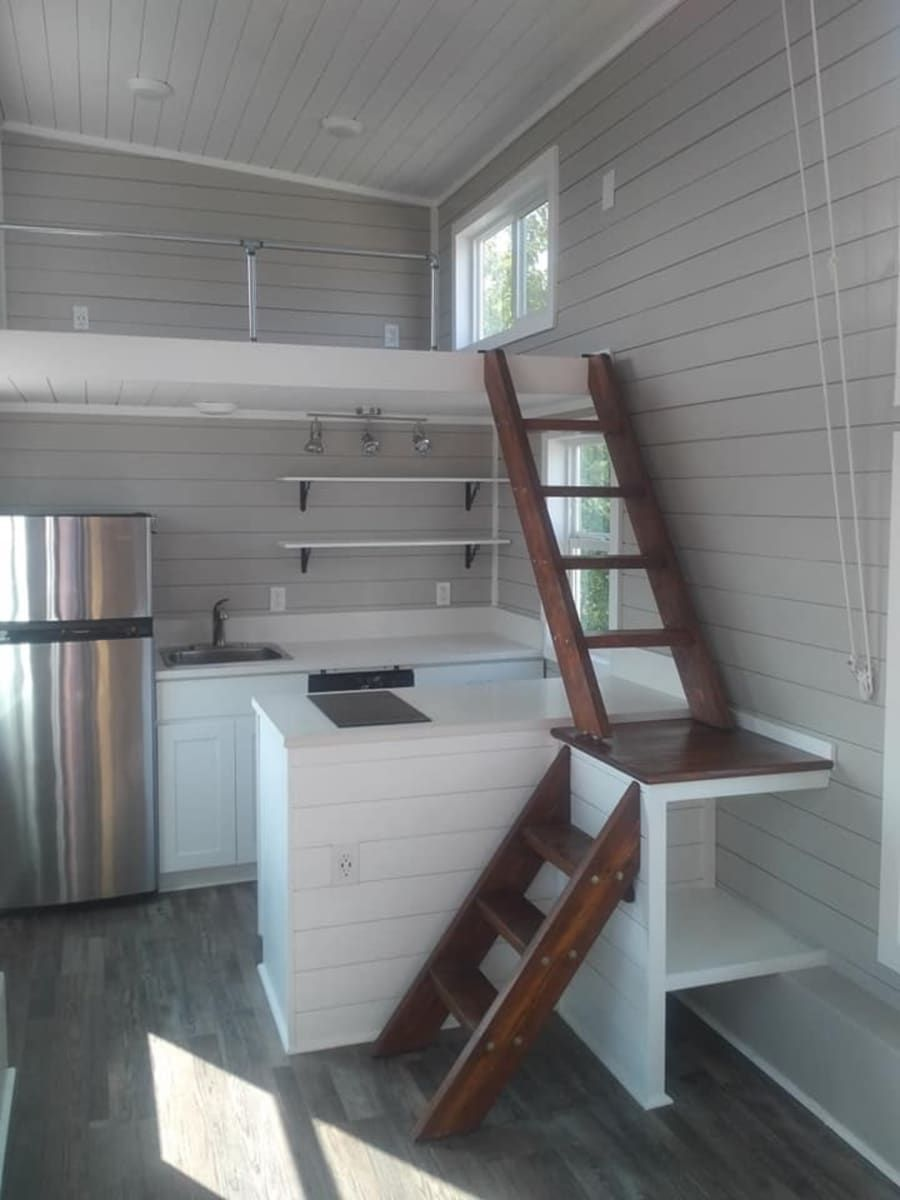 Fully Furnished Tiny House With Lots Of Windows Tiny House For Sale In Manor Texas Tiny House List Tiny House Listings Tiny House Decor Tiny House Design