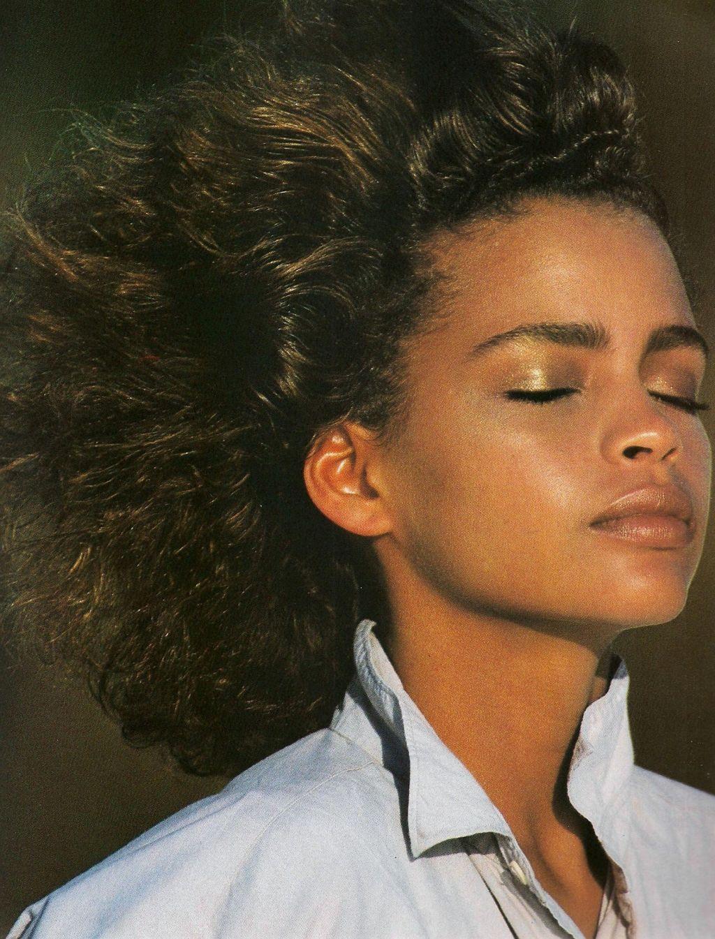 """""""White Shirt Charm!"""", Elle US, August 1986 -- Photographer : Gilles Bensimon -- Model : Kersti Bowser"""