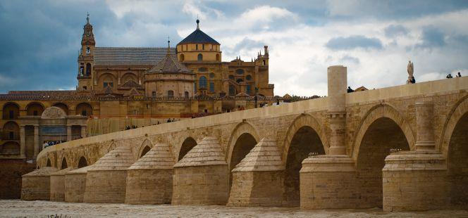 Puente Romano (Córdoba) / Roman Bridge (Córdoba), by @cincodiascom