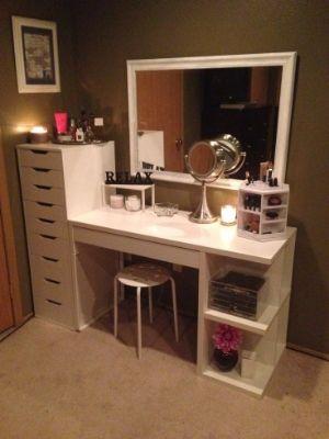 How to Organize Your Vanity Clutter, Vanities and Bedrooms