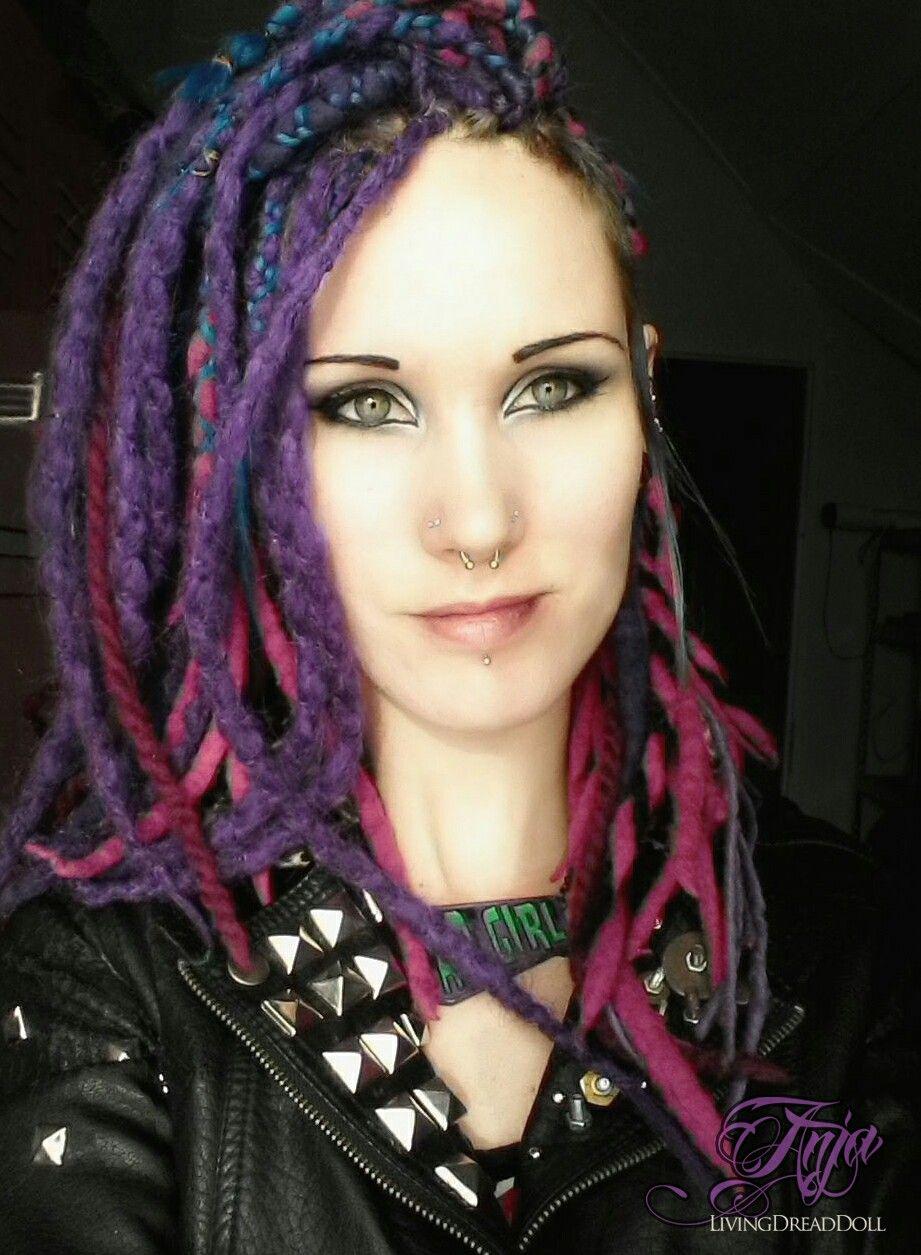 Gothic girl shaved — img 14