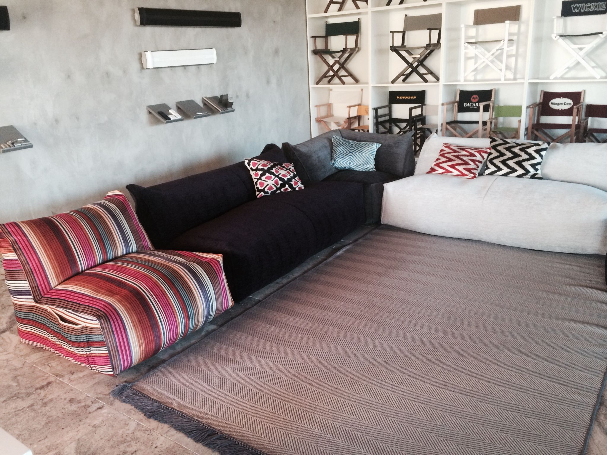 NEU - MOONICH Lounge mit MIssoni Home Collection Stoff ...