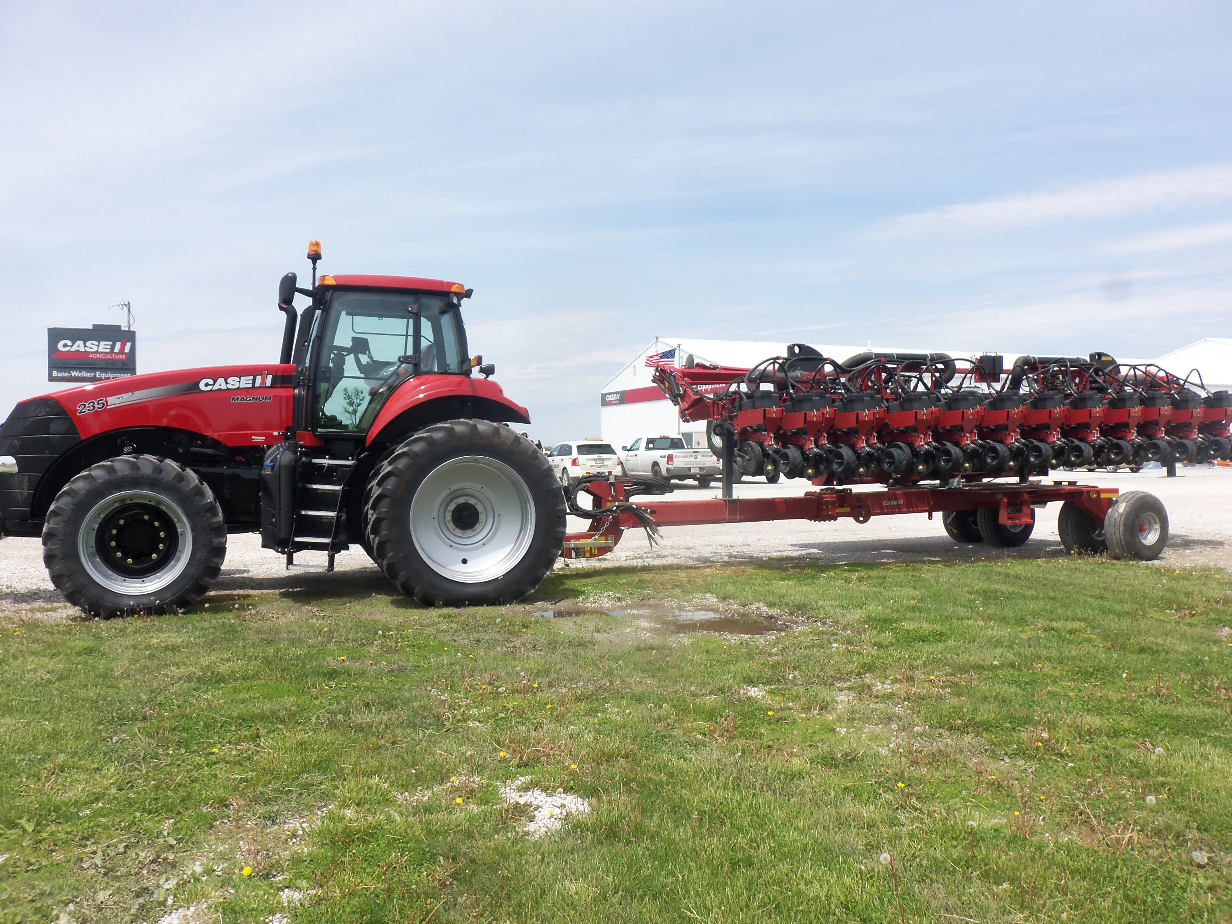 Caseih Magnum 235 Hooked To 1245 Early Riser Con Planter Case