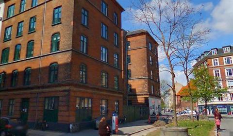 bureau dame lille nær ved København