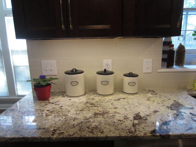 Simple Backsplash For Bianco Antico Countertops With Dark Cabinets Mesmerizing Backsplash For Bianco Antico Granite