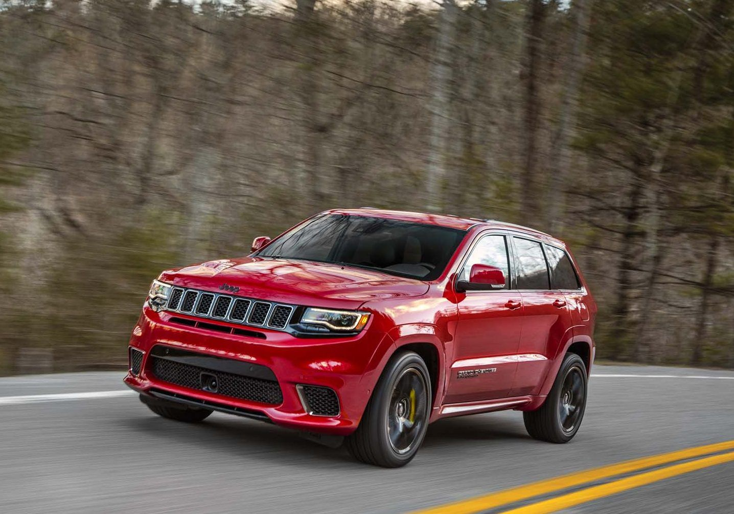2018 Jeep Grand Cherokee Trackhawk With 707hp Hellcat Engine Is An Suv On Steroids Jeep Grand Cherokee Grand Cherokee Overland Jeep Grand