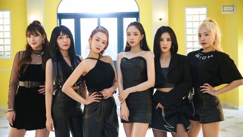 Outfits From Apink S Dumhdurum Mv Kpop Fashion Inkistyle In 2020 Pop Fashion Fashion Kpop Fashion