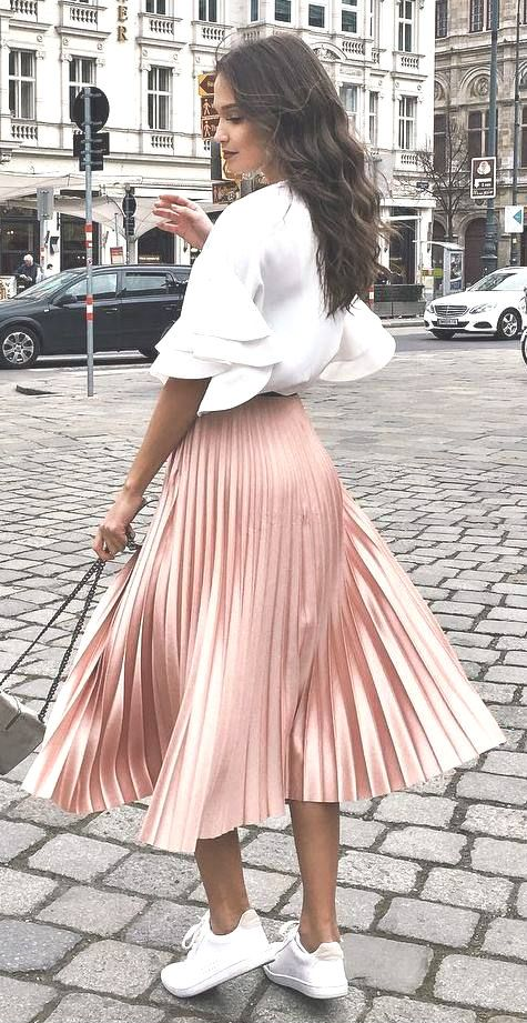 Photo of Pink pleated skirt … so romantic!