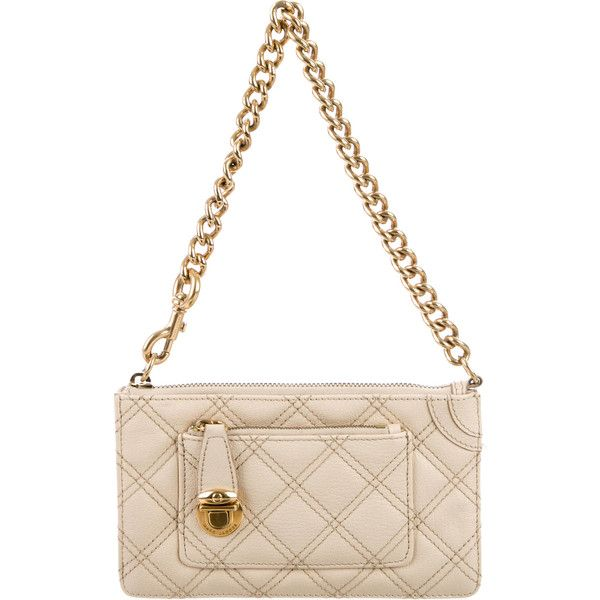 Pre-owned Marc Jacobs Quilted Leather Clutch (1.155 ARS) ❤ liked on Polyvore featuring bags, handbags, clutches, neutrals, handbag purse, marc jacobs clutches, purse wristlet, hand bags and wristlet clutches