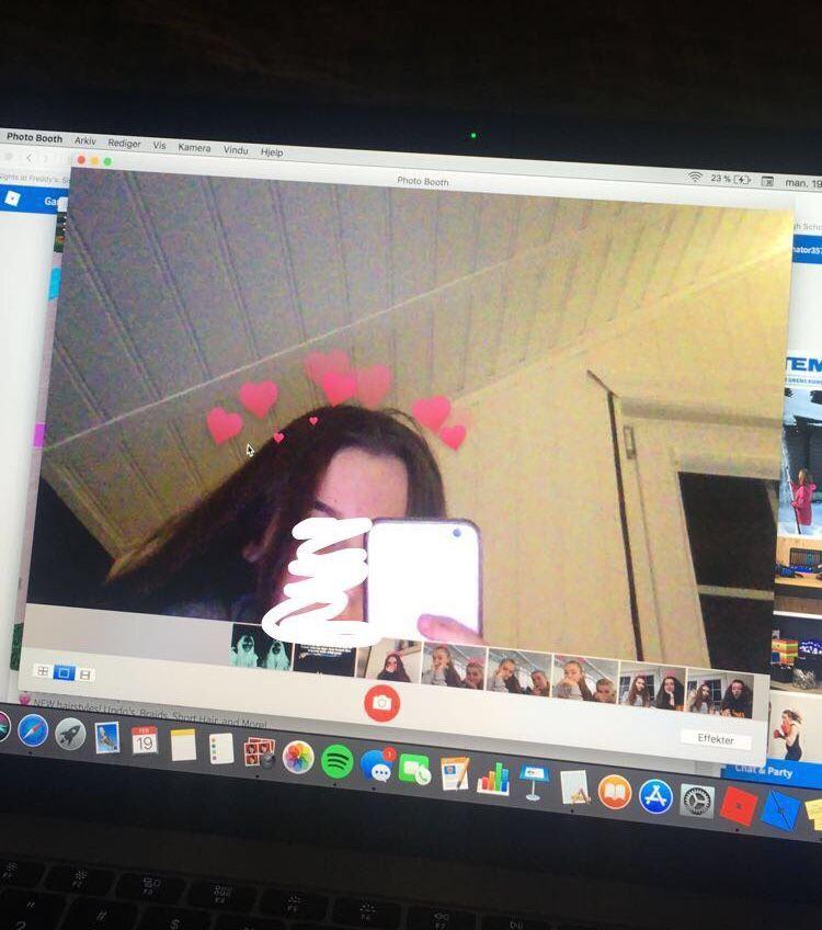 Macbook Hearts In 2020 Macbook Wallpaper Macbook Photo Booth