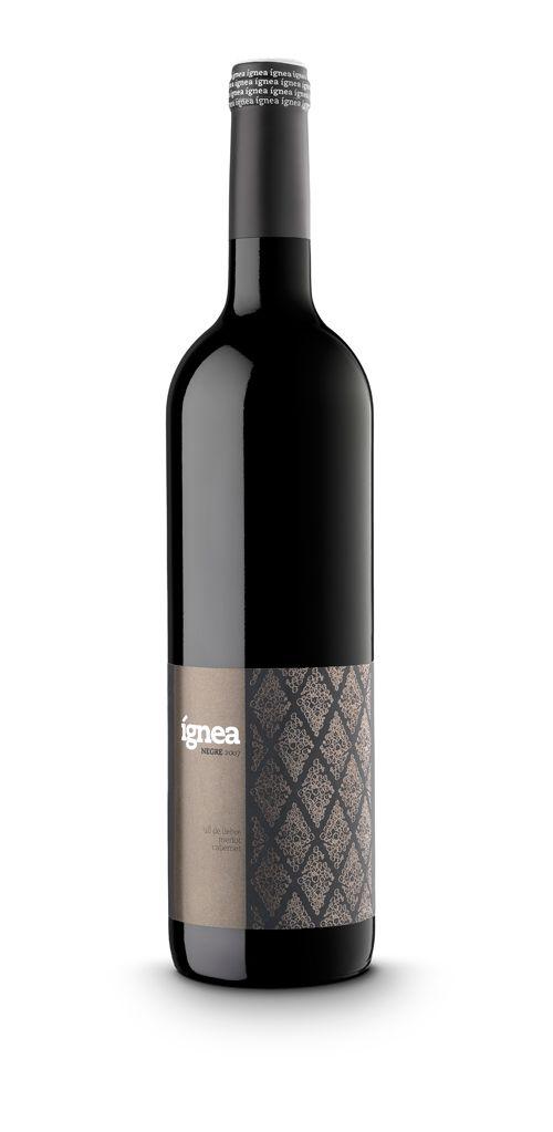 label / Ignea negre. wine