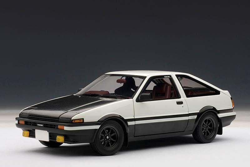 AUTOart: Toyota Sprinter Trueno (AE86) Initial D Version 2.0 - White (78797) in 1:18 scale