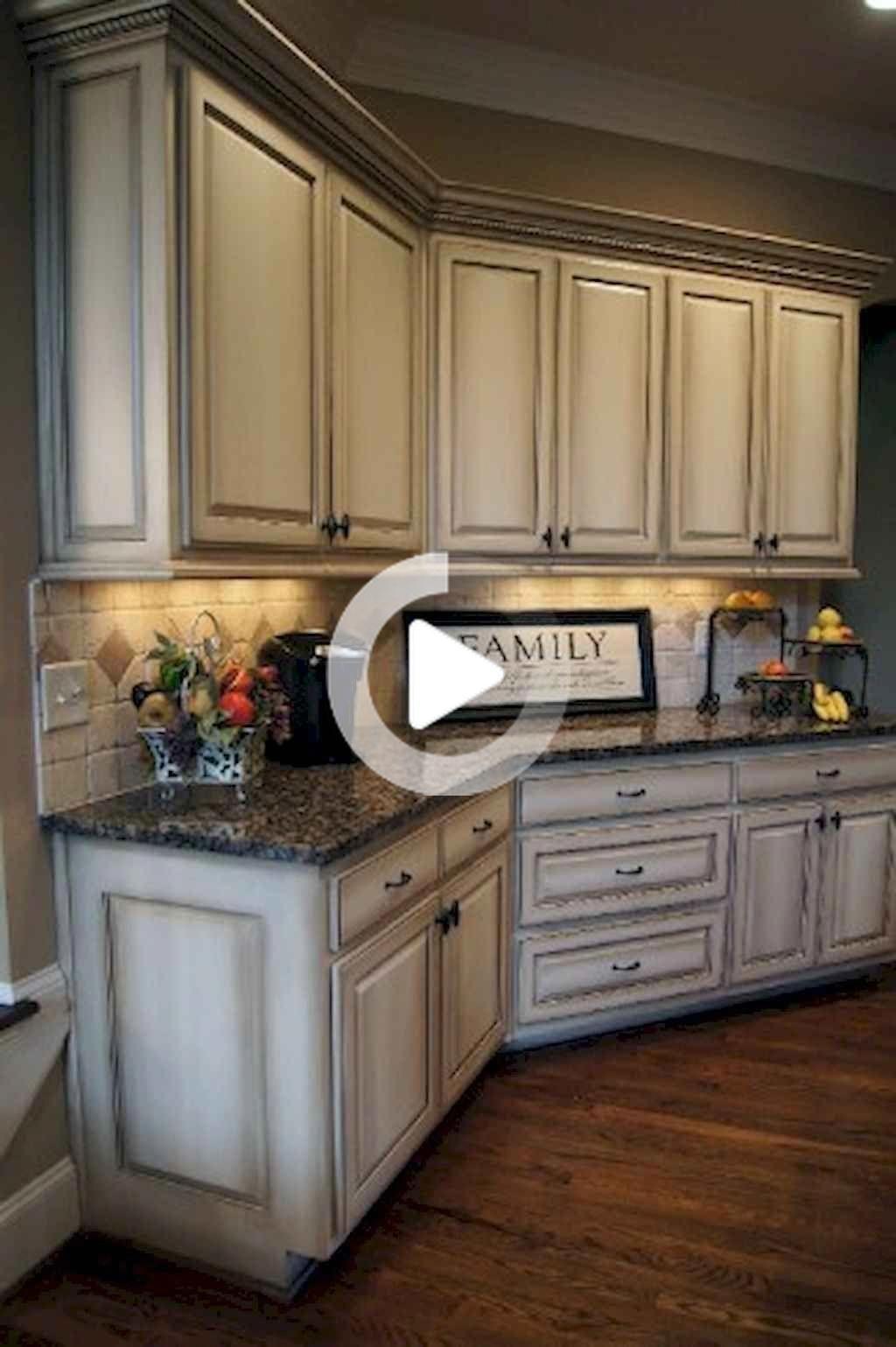 20 Elegante Granja Del Gabinete De Cocina Renovacion De Diseno Ideas Que Muy Acogedor In 2020 Antique White Kitchen Antique Kitchen Cabinets Glazed Kitchen Cabinets