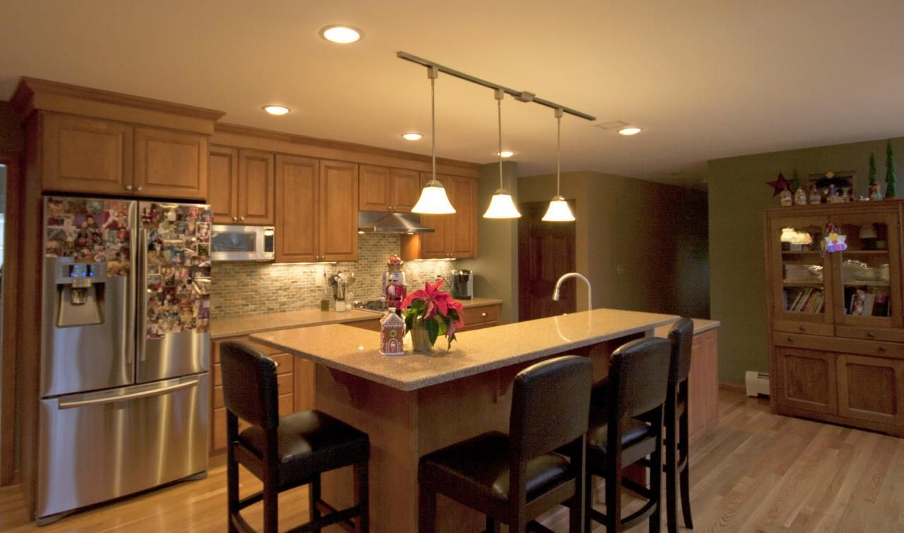 Remodel kitchen island ideas kitchen island decorative trim 100 small kitchen and dining room - Small space kitchen island property ...