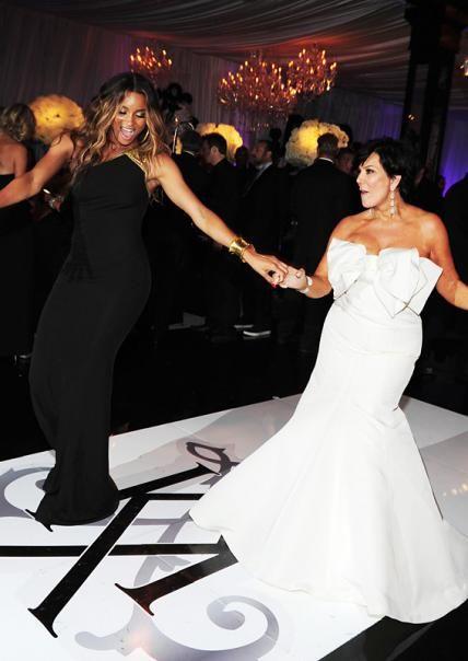 Take A Look Back At Kim Kardashian S Extravagant Wedding Kim Kardashian Wedding Kim Kardashian Extravagant Wedding