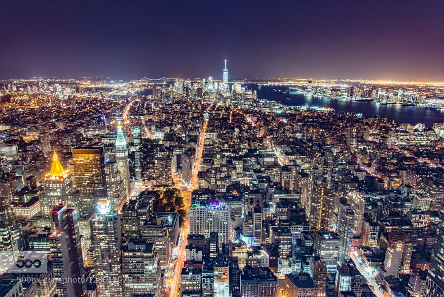 New York by night from the Empire State Buolding! - Pinned by Mak Khalaf City and Architecture AmericaBuildingCittàCityEmpireHolidayLandscapeNewNightNightscapeNightshotNikonNottePanoramaStateStradaStreetUrbanUrbanoUsaVacanzaYork by paolotomasi