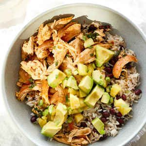 Cuban Chicken Rice Bowls with Mojo Sauce and Avocado-Pineapple Salsa #cubanrice