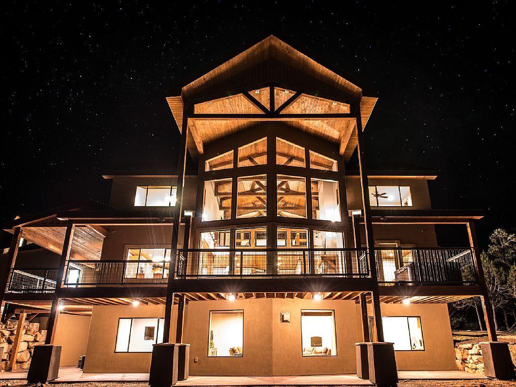 Zion National Park Vacation Rental   VRBO 608730   7 BR UT Lodge, Sleep 40