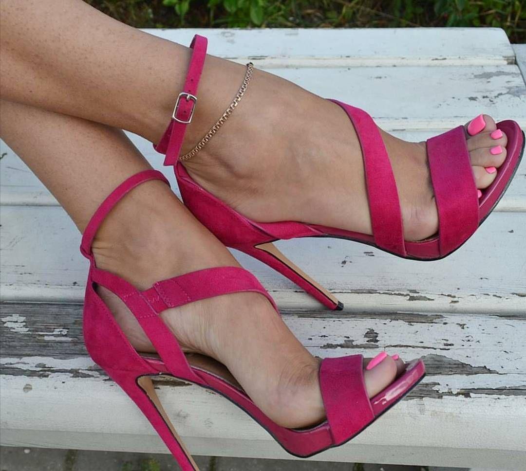Pink toes, high heels