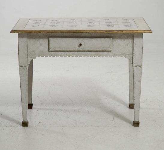 Antike Skandinavische Konsole mit Gefliester Tischplatte | Pinterest ...
