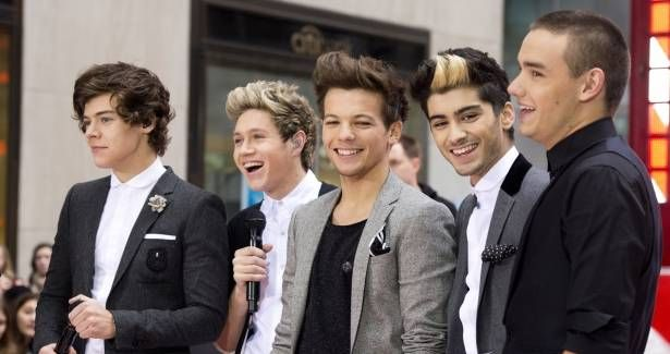 There is nothing better than seeing your idol laugh. Because if they laugh is because they are happy. I love to see One Direction laugh, is one of the things that makes me happier. When I am sad, I go to my room, I look at my posters and see One Direction and I changed the mood and in a second pass from sad to happy. That's one of the things I like about them, I see them and I draw a smile. :)