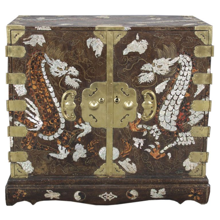korean mother of pearl inlay korean mother of pearl and tortoiseshell inlaid lacquer amazoncom oriental furniture korean antique style liquor