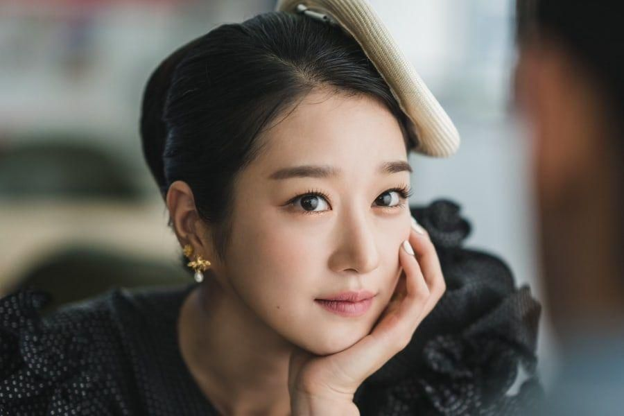 Upcoming tvN Drama Shares First Glimpse Of Seo Ye Ji As Alluring Book Author