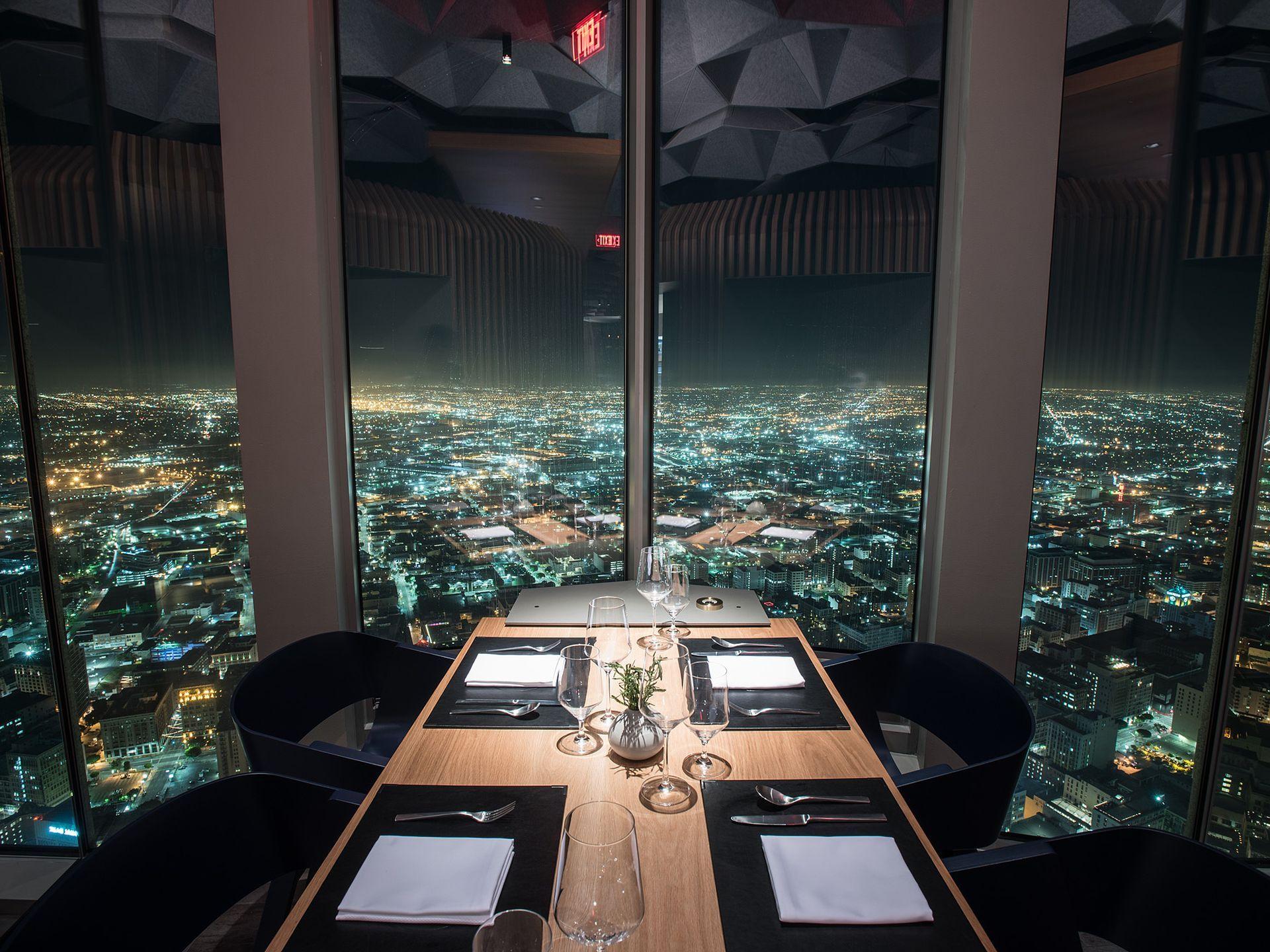 20 Restaurants With Amazing Views In Los Angeles Best Restaurants Los Angeles Los Angeles Restaurants Los Angeles Nightlife
