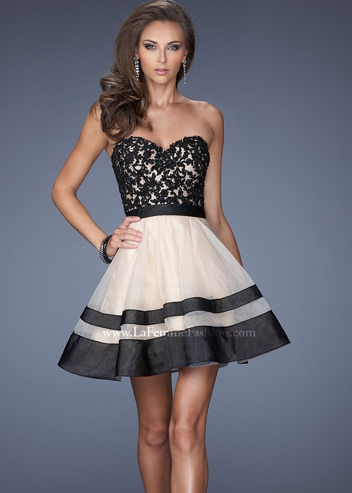 Short strapless black and white lace dress