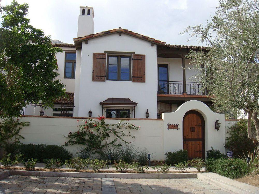 16 Modern Spanish Style Exterior Design Corresponding Our Dream Homedecoreo 16 Modern Spanish St In 2020 Spanish House Spanish Style Homes Spanish Colonial Homes