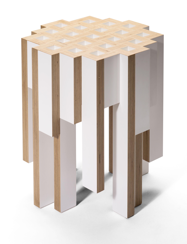 Tisch, Beistelltisch: Escher; Design: orterfinder (Multiplex weiß ...