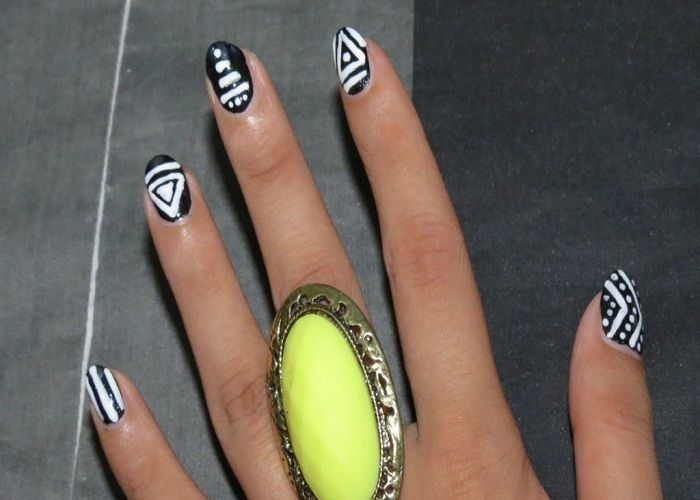 African Tribal Nail Art With Abstract Lines And Dots - http ...