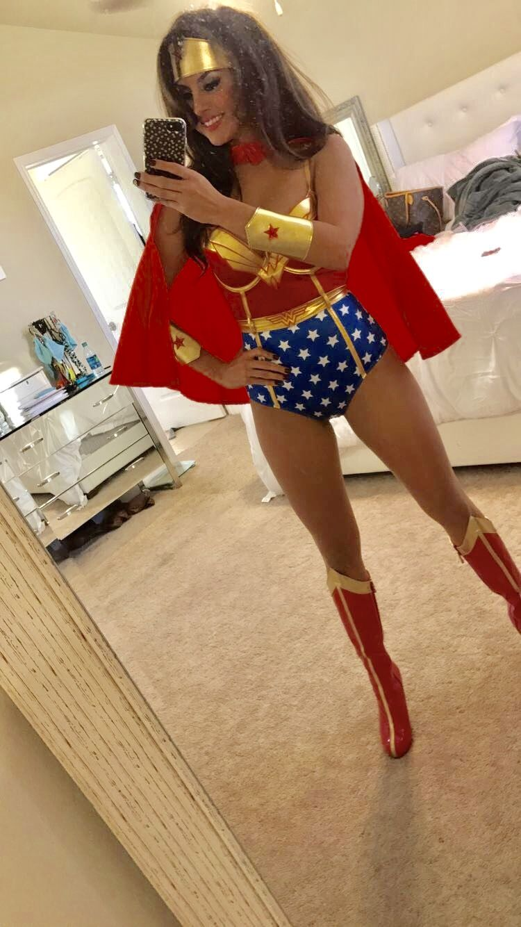 Wonderwoman Costumes Margaretanngarza Costumeideas Latina Hair Makeup Slay