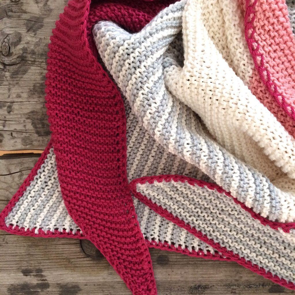 Photo of I knitted a triangular scarf out of cotton yarn for the summer! Ideal …