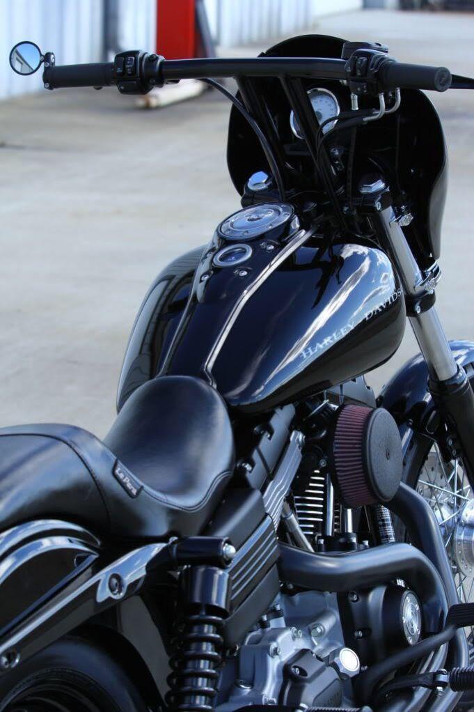 Gillar Svarta Detaljer Och Bra Nodlosning Pa Liten Backspegel Harley Harley Davidson Dyna Harley Davidson Bikes