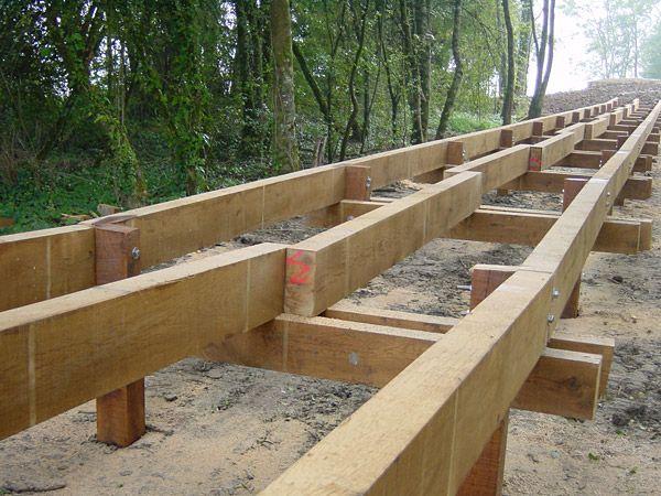 pont bois passerelle bois construction bois penin fixation assemblage pinterest deck. Black Bedroom Furniture Sets. Home Design Ideas