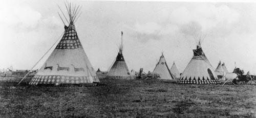 Blackfoot camp - dated variously as 1903 or 1907, depending on source. JE
