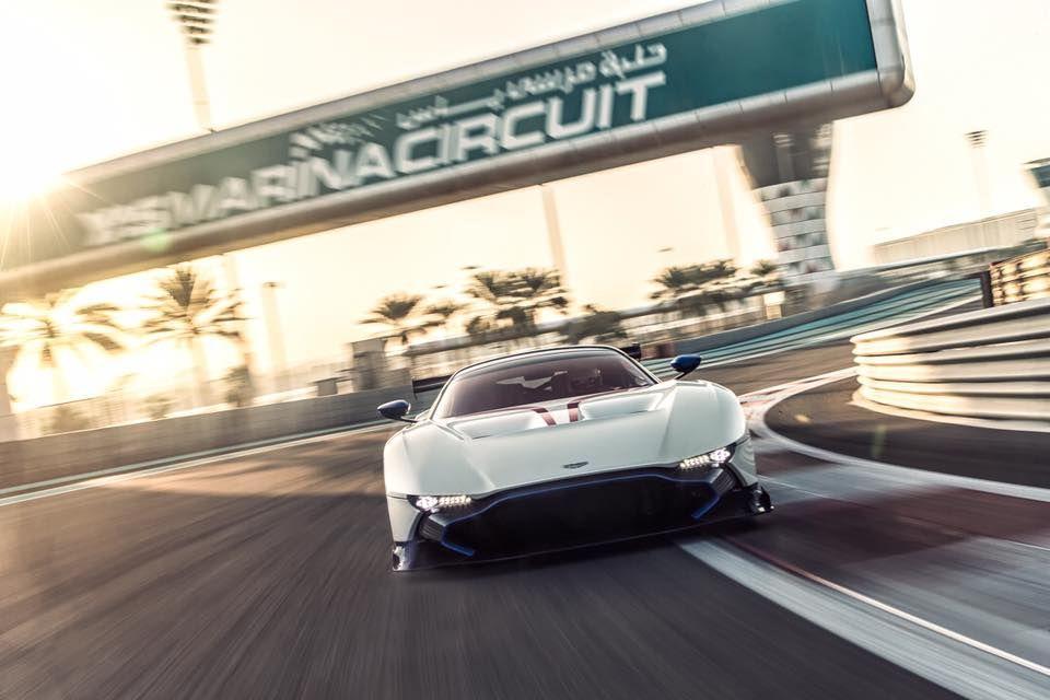 Photo Of The Day Stunner Aston Martin Vulcan At Yas Marina Gtspirit Aston Martin Vulcan Aston Martin Aston