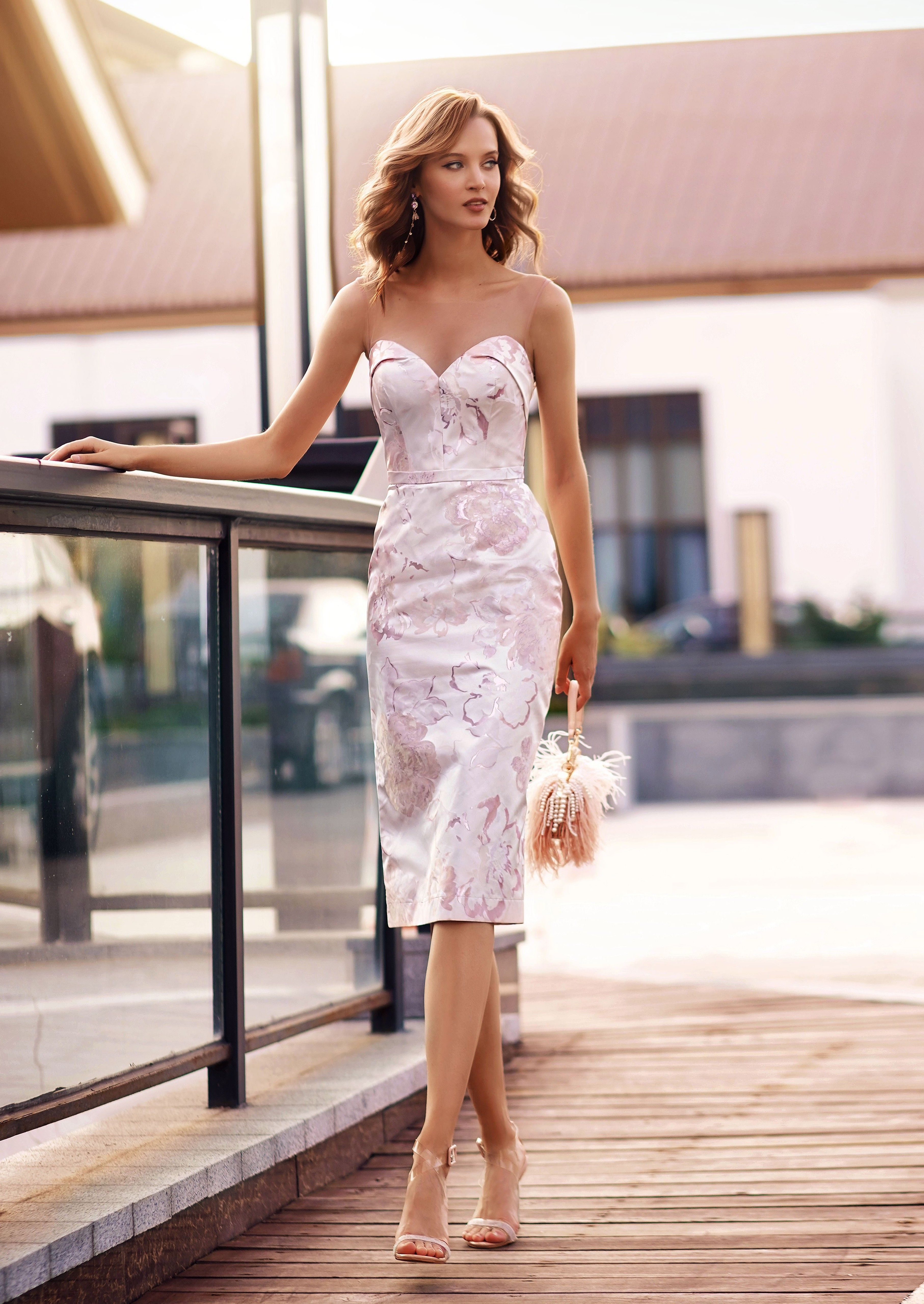 Floral Dress With Plunging Sweetheart Neckline Dresses Formal Dresses Strapless Dress Formal [ 5119 x 3627 Pixel ]