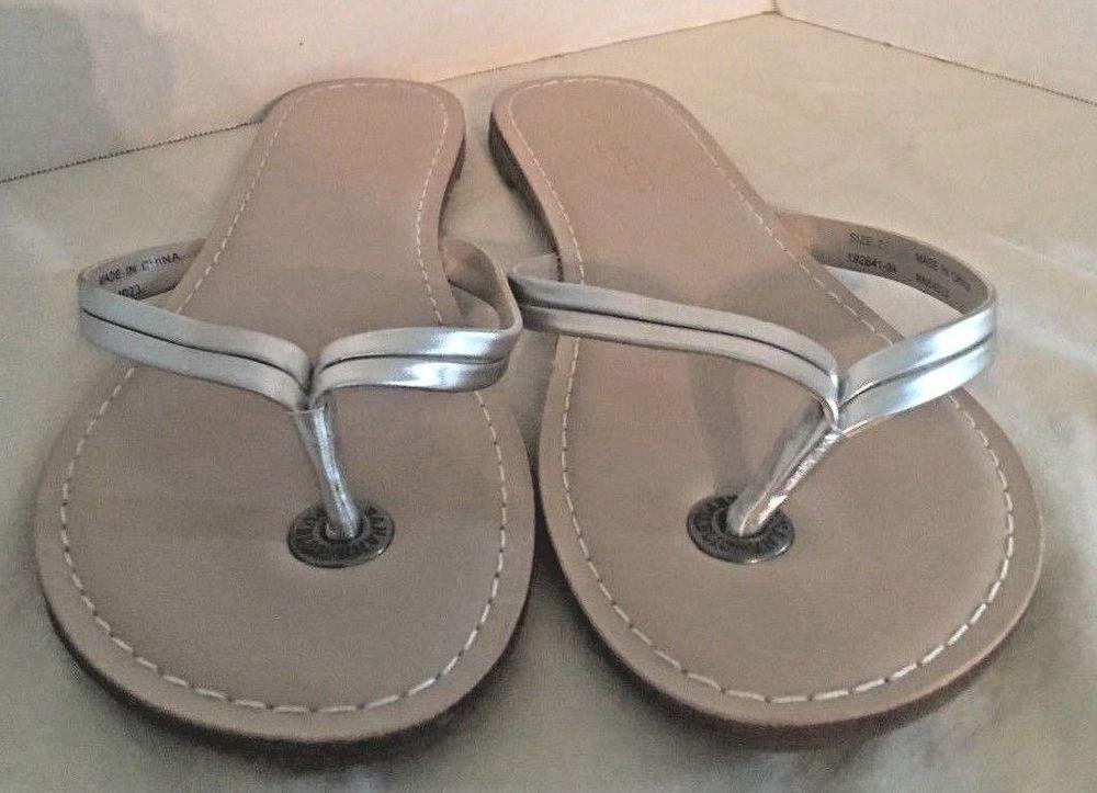 40ceb7c958ab Banana Republic Womens Thong Flip Flop Mazzy Silver Leather Sandals Size 7   BananaRepublic  FlipFlops  Casual