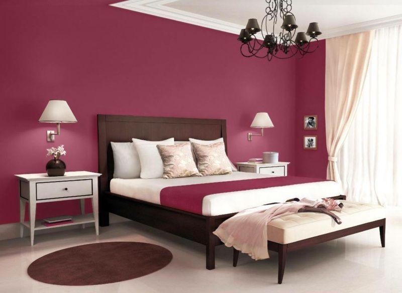 Elegante Schlafzimmer Einrichtung mit Wand in Purpur | Ideen rund ...