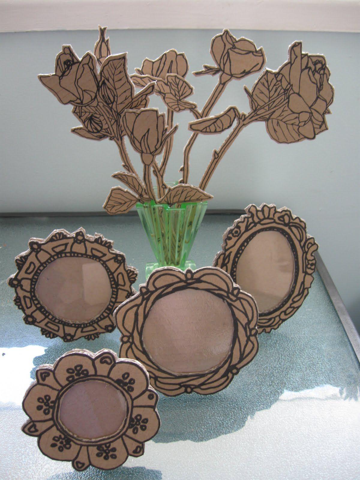 Drawing on cardboardper cute decorationzzz pinterest diy free recycled cardboard flowers and frames solutioingenieria Gallery