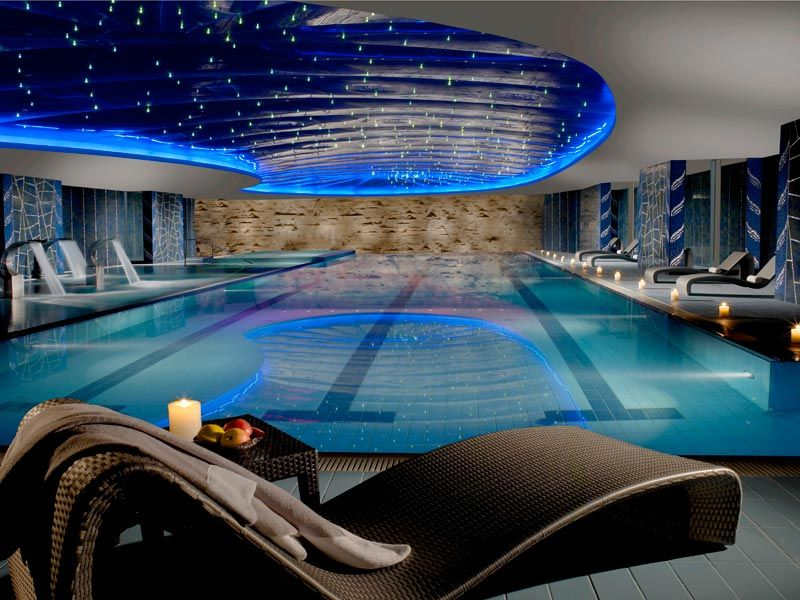 Swimming Pool With Whirlpool In Wellness Centre Rome Prince Spa