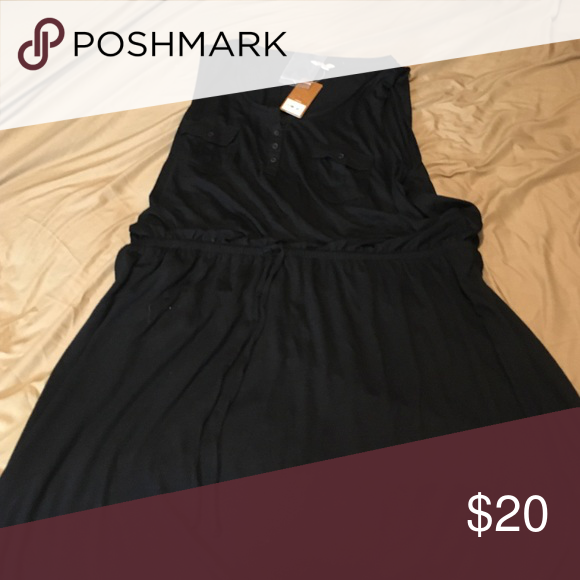 Black dress Everyone needs a LBD! This one is perfect for the end of summer! It has a drawstring waist and two pocket details on the breast! Sonoma Dresses Midi