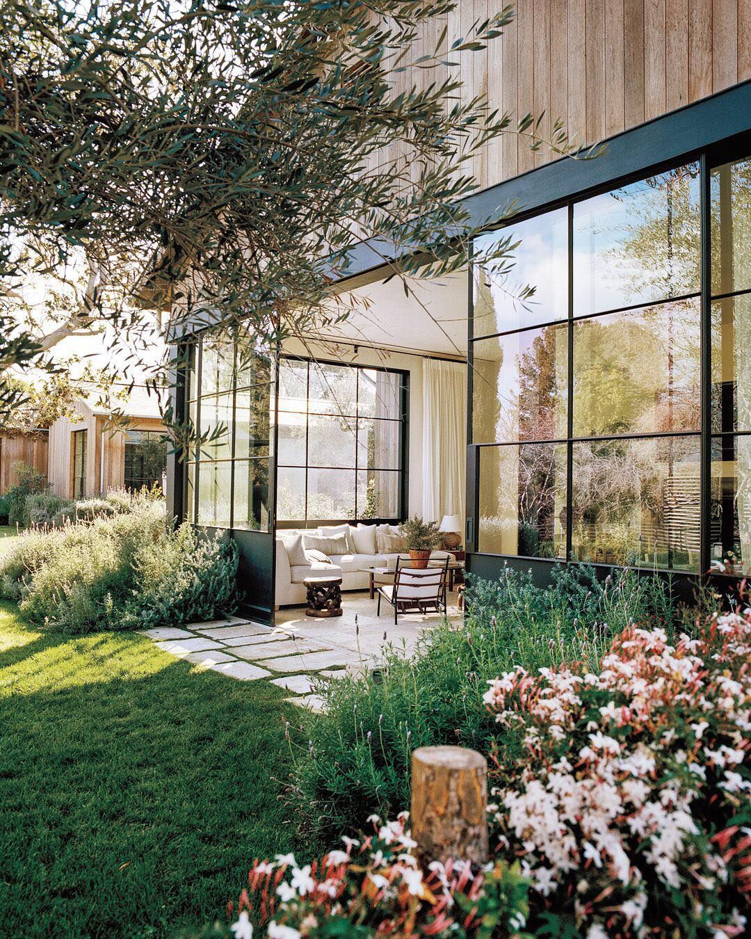 868 336 Exterior Home Design Ideas Remodel Pictures: Architect Howard Backen Reimagined Carolwood (The Grey Estate). Like The Idea Of Indoor Patio