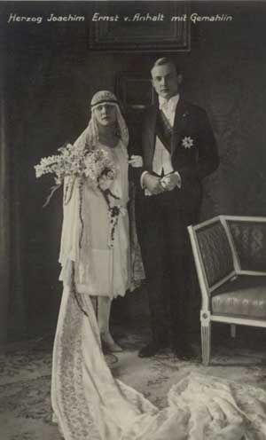 October 15, 1929 - Duke Joachim Ernst of Anhalt and Edda Charlotte von Stephani, a former moving picture actress